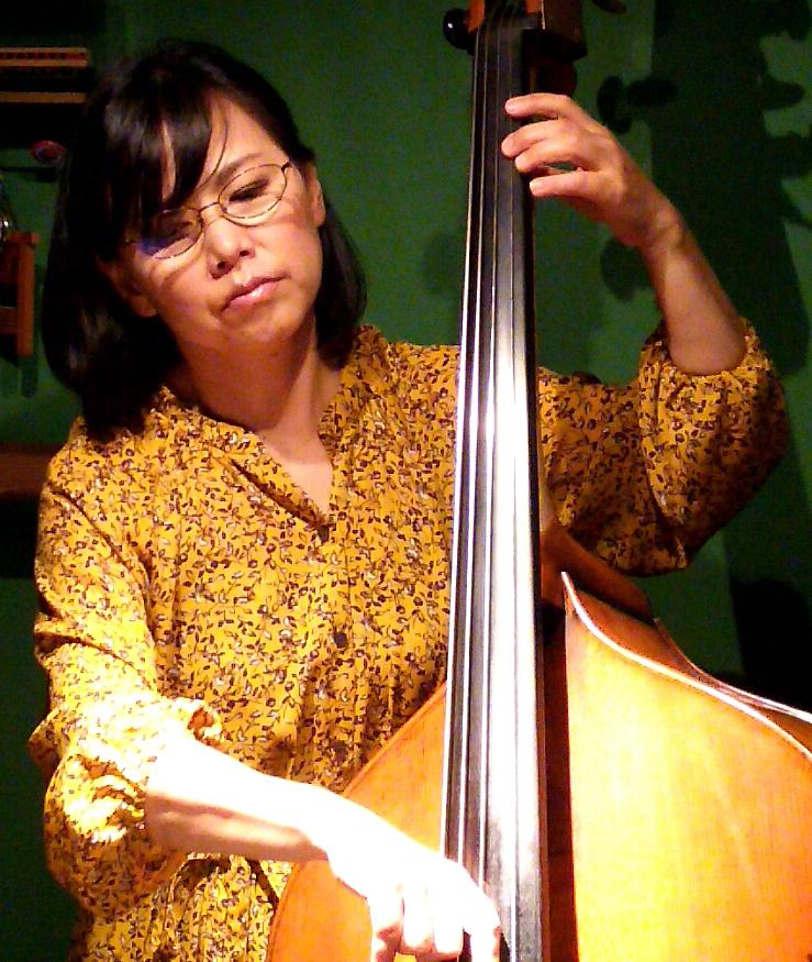 10/19 夜ライブ出演の 吉田 美雅さん 急病のため休演。東 ともみさんベースソロライブに変更します